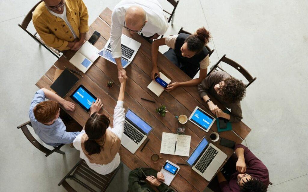 Twójpracownik jest ważny – sprawdź co zyskujesz dzięki aplikacji BudgetBee