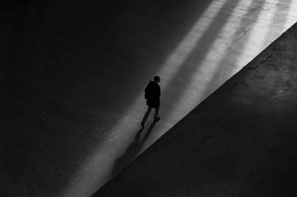 Samotność szefa. Otrudnych decyzjach podejmowanych wsamotności.